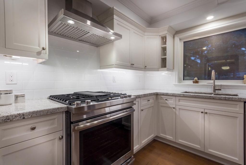 398-devonshire-terr-kitchen-3